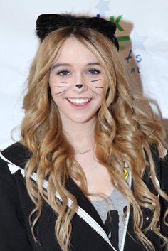 I'm Acacia`s favorite kitty fan!!