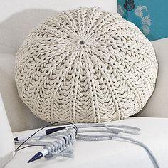 OHJE: Kimalle-tyyny (irtopäällinen), Glimmer pillow cover by Pia Heilä for Lankava Oy http://www.lankava.fi/WebRoot/esito/Shops/esito/MediaGallery/OHJEET/2014/Kimalle_tyyny.pdf http://www.lankava.fi/WebRoot/esito/Shops/esito/MediaGallery/OHJEET/svenska_moenster/Glitteroeverdrag_till_dyna.pdf