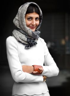 that cuff + scalloped edges + the scarf... so much love!