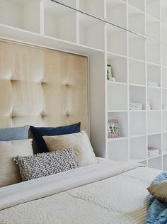 Bedroom with lots of built in shelving via Studio Karin Bookshelf Headboard, Bookshelves, Southern Homes, Vintage Modern, Small Rooms, Cozy House, Built Ins, Shelving, Master Bedroom