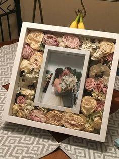 diy wedding decorations 769411917574454809 - – – – – Source by duncanlangjones Post Wedding, Diy Wedding, Dream Wedding, Wedding Day, Wedding Hands, Wedding Favours, Wedding Ceremony, Bouquet Shadow Box, Flower Shadow Box