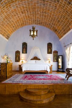 Mexican hacienda hotel San Miguel del Allende- love the vaulted ceiling... Reminds me of Los Rocas, where my husband proposed to me in the hotel room that had a ceiling just like this. Baja Mexico