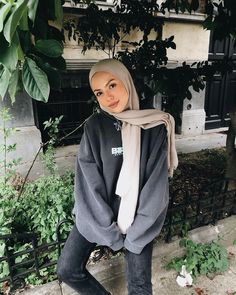 🥺 i love you guys! Modern Hijab Fashion, Street Hijab Fashion, Hijab Fashion Inspiration, Muslim Fashion, Fashion Outfits, Casual Hijab Outfit, Ootd Hijab, Hijab Dress, Hijab Mode