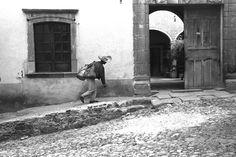 """""""El lechero"""". San Miguel Allende, Gto. —-1962—-"""