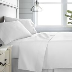 Ienjoy Home Home Collection 300 Thread Count 4 Piece Bed Sheet Set - Cotton, California King Bedding Queen Bed Sheets, Twin Bed Sheets, Twin Sheet Sets, Cotton Sheet Sets, California King Bedding, King Beds, Flat Sheets, Home Collections, Bedding Collections