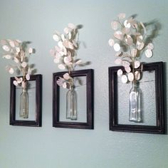 DIY Wanddeko diy decoration: frames with vases. The post DIY Wanddeko appeared first on Flur ideen. Old Picture Frames, Hanging Picture Frames, Hanging Pictures, Old Pictures, Decorating With Picture Frames, Picture Frames On The Wall Stairs, Wall Decor With Pictures, Home Projects, Home Crafts
