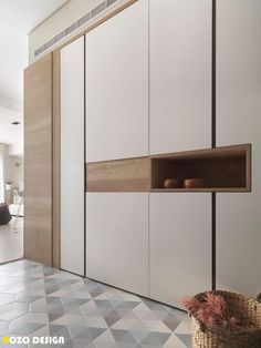 This apartment is a project designed by HOZO interior design. Photography by HOZO interior design Wardrobe Door Designs, Wardrobe Design Bedroom, Bedroom Cupboard Designs, Wardrobe Doors, Closet Designs, Shoe Cabinet Design, Casa Loft, Design Furniture, Apartment Interior