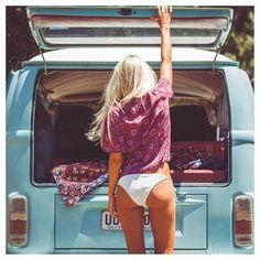 Volkswagen Transporter, Volkswagen Bus, Vw Camper, Beetles Volkswagen, Vw T1, Combi Vw T2, Combi Ww, Vw Beach, Bus Girl