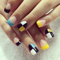 18 Best Mismatched Nail Art Manicures #naildesignideaz #naildesign #nailart #mismatchednailart #mismatchednails ♥ If you enjoyed my pin, pls visit us at http://naildesignideaz.com/ ♥