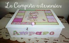 Caja organizadora para los pañales de una bella bebe