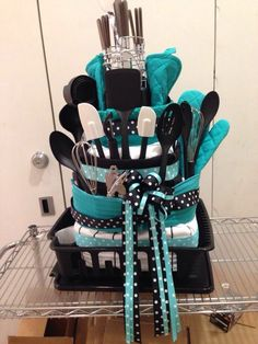 Amazing bridal shower gift ideas 80 – Home Decorations Best Raffle Baskets, Diy Gift Baskets, Kitchen Gift Baskets, Kitchen Towel Cakes, Gift Hampers, Wedding Shower Gifts, Wedding Gifts, Cake Wedding, Wedding Towel Cakes