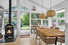 Miete Ferienhaus 1453-N in Muldstenshøjen 10, Liseleje Danish Interior Design, Patio, Outdoor Decor, Home Decor, Open Plan Kitchen, Cottage House, Decoration Home, Room Decor, Home Interior Design