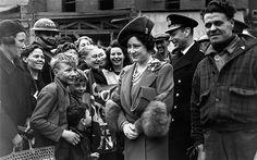 Royal Blitz Visit, April 1941 King George VI – and Queen Elizabeth – meet air raid victims in the East End of Lo. East End London, Old London, Vintage London, Lake District Attractions, Lady Elizabeth, Meet Women, Elisabeth Ii, The Blitz, Fleet Street