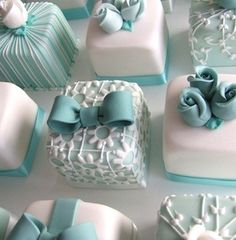 See more about mini cakes, wedding cakes and individual wedding cakes. turquoise… See more about mini cakes, wedding cakes and individual wedding cakes. Pretty Cakes, Beautiful Cakes, Amazing Cakes, Cute Cakes, Beautiful Desserts, Sweet Cakes, Amazing Art, Fancy Cakes, Mini Cakes