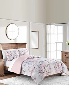 Macys Sunham Bedding Colesville FULL/QUEEN Comforter Set Blush Pink NEW. Add a charming touch to any room with the Colesville comforter set featuring a calming floral pattern and a blush ground for smooth relaxation. Twin Comforter Sets, King Comforter, Bedding Sets, Duvet, Bed In A Bag, Mattress Brands, Space Furniture, Bed & Bath, Comforters