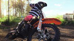 On track #tbt  @dwbtoftshit Sunday braaaap ! #dwbtoftshit#in4lifecollection#motocross#mx#mxlifestyle#mxgirl#mxgirls#mxgear#mxlife#motocrosslife#motolife#moto#braaap#mxrider #motolife