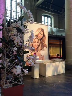#phalaenopsis #orchids #arrangement @ the launch of @wendyonlinenl