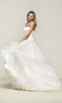 0759a55b5813e Haute Couture Wedding Dresses. プリンセスラインウエディングドレス ...