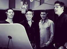 Good morning! For today a pic of @ildivo_official guys working hard because that's what this girl will do: I'm going after a Communication Management degree from next week onward! Combined with family and job so well prayers needed . Picture from the clip of recording Love Changes Everthing with the best @mrmichaelball! Have a great day! @elaynalisa x @sebdivo @ildivours @divodavidmiller @carlosmarinildivo #photooftheday #sebsoloalbum #teamseb #sebdivo #sifcofficial #ildivofansforcharity…