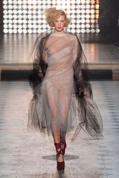 Photo of Vivienne Westwood Gold Label Autumn/Winter 2014 London Fashion Weeks, Paris Fashion, Runway Fashion, High Fashion, Fashion Beauty, Fashion Show, Fashion Design, Vivienne Westwood, Transparent Clothes