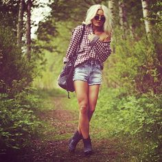 disheveled outfit - Off the shoulder Plaid / Gingham Button Down Shirt and Denim Shorts