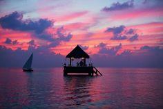 bangalô flutuante nas Ilhas Maldivas