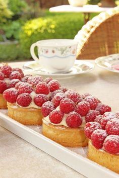 Almond cream tartlets with raspberries - Maren Lubbe - Delicious delicacies - Raspberry tartlet with almond butter cream and lemon diplomatic cream topped with raspberries – m - Pear Recipes, Baking Recipes, Petit Cake, Chocolate Strawberry Cake, Almond Cream, Malu, Mini Desserts, Galette, Savoury Cake