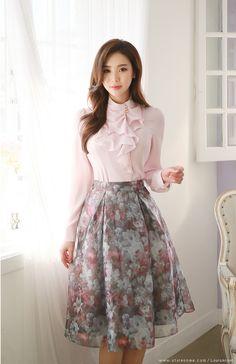 love the blouse & skirt - just so femme