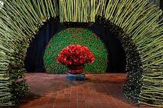 Image result for daniel ost events Simple Flowers, Diy Flowers, Fresh Flowers, Art Floral, Daniel Ost, Unique Flower Arrangements, Flora Design, Flower Show, Leaf Art