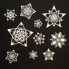 Just like in nature, no two paper snowflakes are exactly alike. Paper Snowflakes, Snowflake Designs, Deco, Star, Cards, Painting, Diy And Crafts, Painting Art, Decor