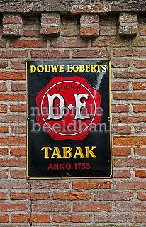 Douwe egberts tabak Douwe Egberts Coffee, Holland, Vintage, Home Decor, Enamel, The Nederlands, Decoration Home, Room Decor, The Netherlands
