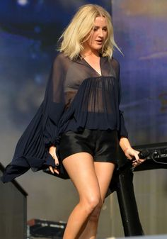 Ellie Goulding and Dougie Poynter are blending into one person Ellie Golding, Dougie Poynter, Katy Perry Pictures, Emma Watson Sexiest, Taylor Swift Hot, Clothing For Tall Women, Bebe Rexha, Gorgeous Blonde, Stage Outfits