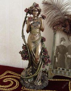 The bronze sculpture art nouveau motive Alfons Mucha - ROSES Art Sculpture, Bronze Sculpture, Angel Sculpture, Design Art Nouveau, Alphonse Mucha Art, Jugendstil Design, Illustrator, Fantasy, New Art