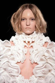 3D printed dress for Paris Fashion week designed in collaboration with London architect Daniel Widrig, Fashion designer Iris van Herpen, and digital manufacturers .MGX by Materialise.
