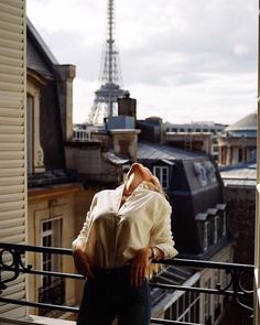 Image about fashion in Paris France 🗼🇫🇷 ☕ 🥖 by Kenzie My Little Paris, Poses Photo, Foto Casual, France, Parisian Style, Belle Photo, Portrait Photography, Fashion Photography, In This Moment