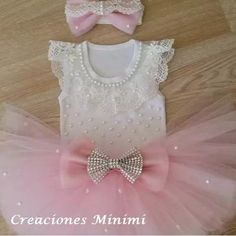 I like the pearl embellishments Baby Tutu Dresses, Little Girl Dresses, Baby Dress, Barbie Birthday, Birthday Tutu, Baby Bling, Baby Clothes Patterns, Baby Couture, Baby Girl Shoes