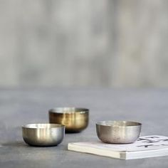 Create a beautiful display with this stunning decoration bowl, All Brass, from House Doctor. The bowl is made of brass, which suits the contemporary Rustic Mugs, Rustic Bowls, Rustic Cake, Rustic Dinner Plates, Green Dinner Plates, House Doctor, Breakfast Cups, Natural Kitchen, Glass Water Bottle