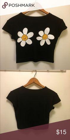 Jac Vaneck Daisy crop top Jac Vanek printed daisy crop top. Worn once. Size Medium. Super comfy. 50% cotton 50% polyester. Machine wash. Jac Vanek Tops Crop Tops