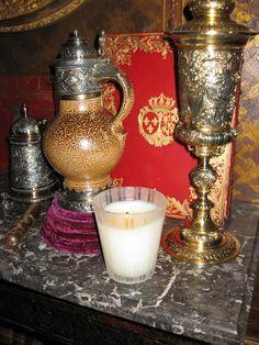 "In his New York library, interior designer Howard Slatkin  burns Nest Fragrance's ""Moroccan Amber"".  He only uses Nest Fragrances in his homes."