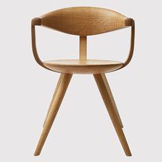 Wooden chair by Sori Yanagi Vintage Furniture, Cool Furniture, Modern Furniture, Furniture Design, Scandinavian Furniture, Scandinavian Design, Japan Design, Illustration Inspiration, Console Design