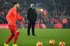 Klopp irked by Liverpool fans impatience   Liverpool (AFP)  Jurgen Klopp urged Liverpools supporters to show more patience with his team after arguing with a fan during the 1-1 draw with Premier League leaders Chelsea.  The Liverpool manager Klopp could be seen exchanging words with a fan standing behind the dug-outs after a first-half back-pass towards goalkeeper Simon Mignolet was met by a collective groan around Anfield.  Klopp said his side were committed to building play from the back…