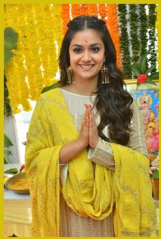 Keerthy Suresh Cute, Beautiful, Incocent Looking Latest Pics – South Indian Celebrity Latest Images, Latest Pics, Hd Images, Life Images, South Indian Actress, Beautiful Indian Actress, Beautiful Saree, Newest Smartphones, All Actress