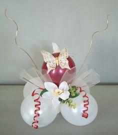Mooie ballon centerpiece! / lovely creative balloon centerpiece Balloon Table Decorations, Balloon Display, Balloon Arrangements, Balloon Centerpieces, Birthday Party Decorations, Balloon Bouquet, Balloon Flowers, 50th Wedding Anniversary Decorations, Sweet 16 Centerpieces