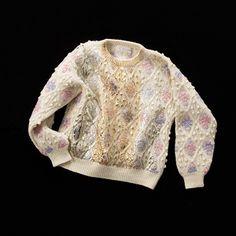 記憶の中のセーター 2014AW YUKI FUJISAWA Knit Fashion, Girl Fashion, Fashion Design, Metallic Yarn, Sweater Design, Winter Wardrobe, Sweater Weather, Passion For Fashion, Knitwear