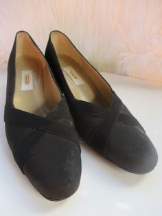 eb8253e6edbb4 Vintage Talbots Womens Black Leather Shoes size 7.5 Narrow  fashion   clothing  shoes  accessories  womensshoes  heels (ebay link)