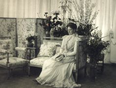 Empress Alexandra Fyodorovna in 1900