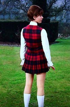 Linda Thorson as Tara King in the Avengers The Avengers, Avengers Women, Uk Tv Shows, Tara King, Photography Movies, Joanna Lumley, Emma Peel, School Girl Dress, Vintage Television