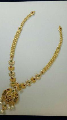 Pearl Necklace Designs, Jewelry Design Earrings, Gold Earrings Designs, Gold Jewellery Design, Gold Necklace, Jewelry Necklaces, Gold Ring Designs, Gold Jewelry Simple, Jewelry Model