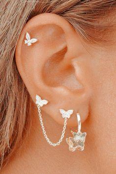 Bijoux Piercing Septum, Unique Ear Piercings, Types Of Ear Piercings, Cool Piercings, Cute Cartilage Piercing, Cute Cartilage Earrings, Ear Piercings Conch, Different Ear Piercings, Multiple Ear Piercings