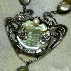 #Pearl necklace    repin ..  like ...share :)    $19 On Sale! http://amzn.to/YrfDzW